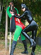 Dominant Cat Bitch captures Rubbin