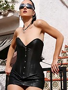 Fetish Lady in leather and boots