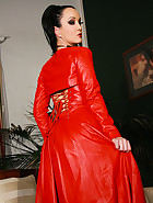 Fetish Lady in leather masturbates