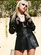 Horny Leyla Black in hot leather