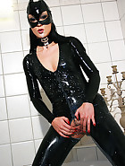 Latex catwoman bathes in milk, pic #7