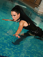 Gothic Mistress gets wet in PVC, pic #6
