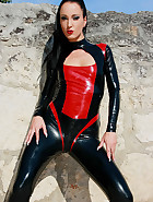 Hot and horny in my latex catsuit, pic #3