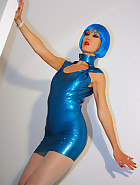 Futuristic babe in shiny blue latex, pic #3