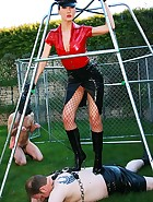 A new slave gets tried and tested, pic #3