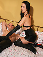 Real couple loves anal leather sex, pic #1