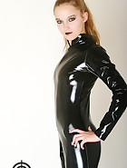 Vivi in latex, pic #1