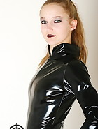 Vivi in latex, pic #4