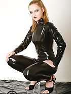 Vivi in latex, pic #8