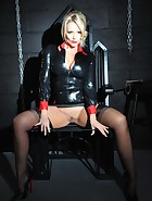 Mistress in the Dungeon, pic #7