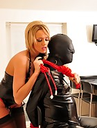 Lucy and The Gimp, pic #4