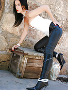 Outdoors in tight leather pants, pic #11