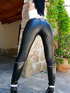 Outdoors in tight leather pants, pic #7
