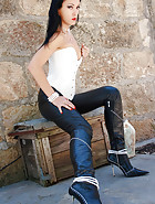 Outdoors in tight leather pants, pic #10