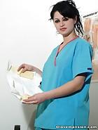 Dentist Shamira loves to tease, pic #1